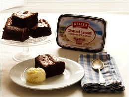 Brownie and clotted cream