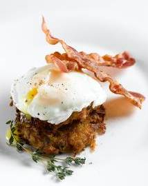 poached egg with bacon