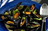 Creamy Garlic & Leek Mussels