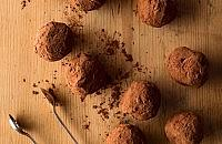 Amaretto chocolate truffles