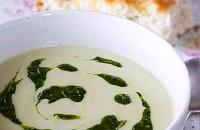 Shallot soup with pesto