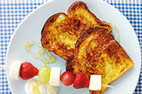 Eggy-bread-with-fruit-kebabs.jpg