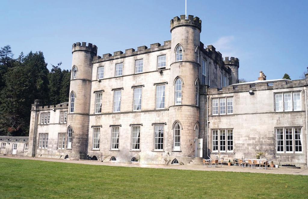 Melville_Castle