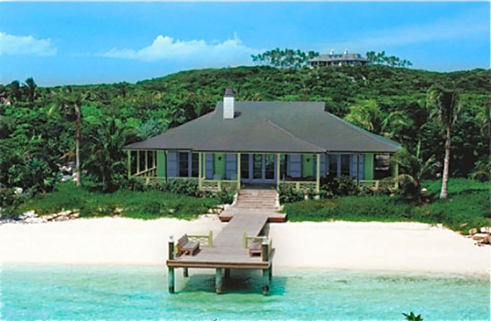 Musha-Cay-at-Copperfield-Bay-Musha-Cay-pier-house.png