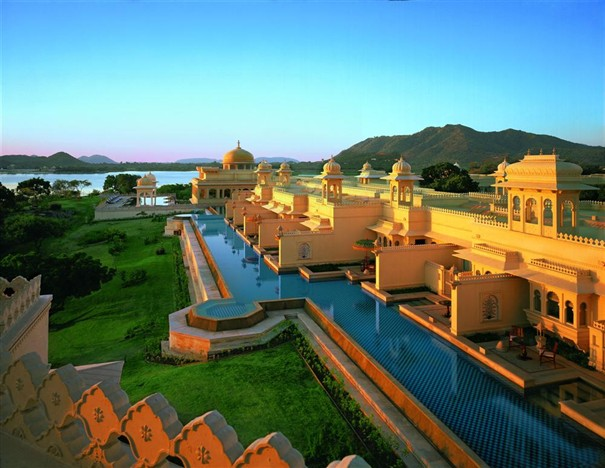 The-Oberoi-Udaivilas-India-Landing-Custom