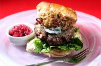 Venison burger with shallots