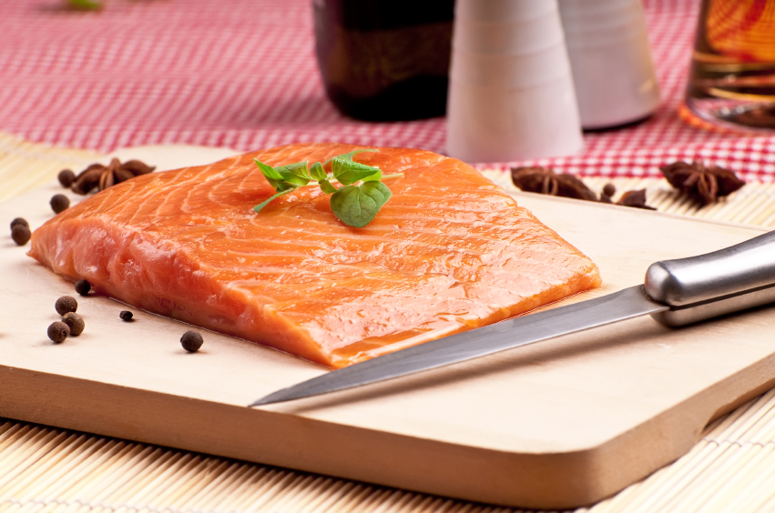 Slice if salmon with peper, prepeared to cooking