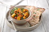 Cauliflower, potato and spinach curry